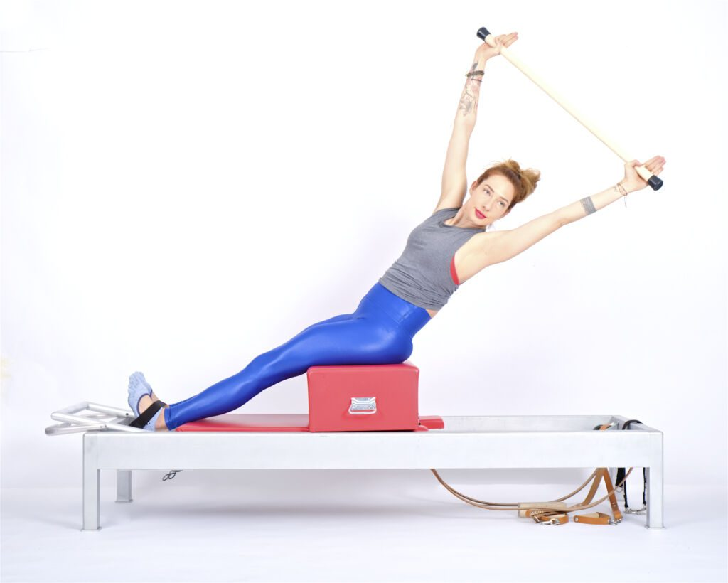 short box twist and reach on the reformer | Online Pilates Classes